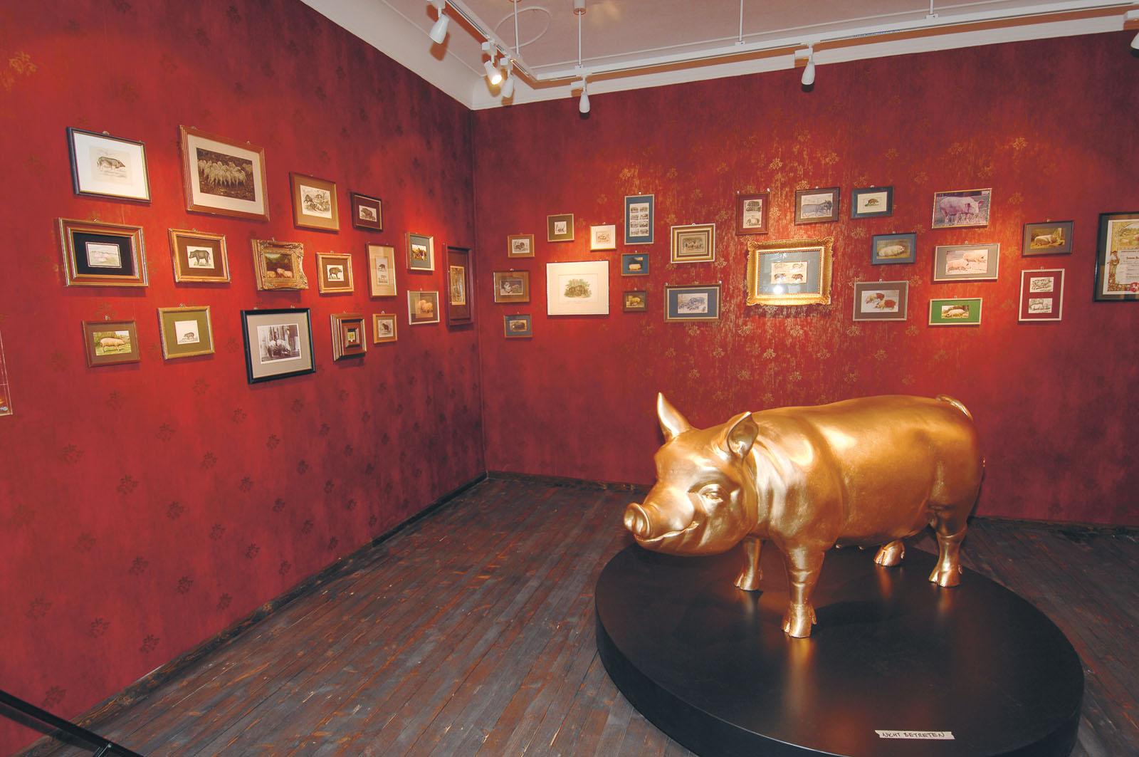 Lange Nacht der Museen Stuttgart - Schweinemuseum Museumsfuehrung