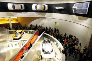 Lange Nacht der Museen Stuttgart - Mercedes Benz Museum Fuehrung