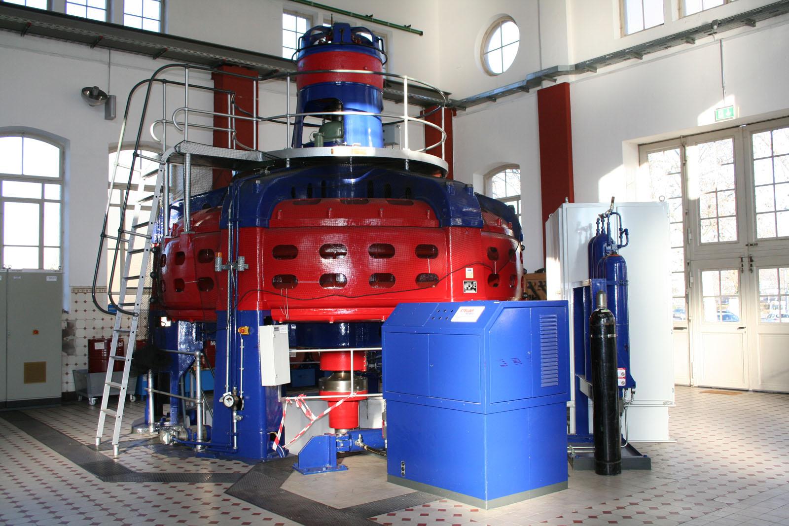 Lange Nacht der Museen Stuttgart - Wasserkraftwerk UT Rundgang